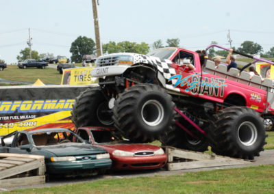2011 Truck Nationals virginia giant smashing cars